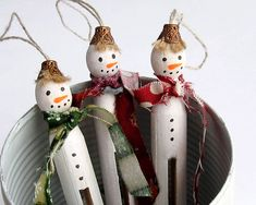 "This set of three white primitive Christmas Snowmen to decorate the Christmas tree. Its wonderful gift for the holiday! Decoration was made using wooden dolly peg, paint, fabric and natural twine. Cute caps adorn their heads. Size: height: 11 cm / 4,3"" not including a hanging loop  Snowmen are handmade, so may differ in small details, but you will receive 3 white primitive ornaments.  Please remember that this is not a toy, small parts can harm children or pets! Snowmen are colored non-toxic…"
