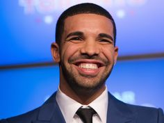 FOW 24 NEWS: With 11 Billion Hits, Drake Becomes The Most Strea...