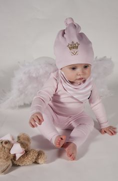 Pink baby Beanie and Bib! Lovely!