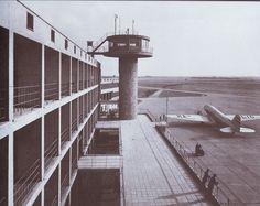 Ferihegyi repülőtér felvételi épülete, 1939-48 Cn Tower, Building, Travel, Viajes, Buildings, Destinations, Traveling, Trips, Construction
