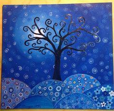 Arbol fondo azul