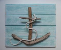 Anker mit Treibholz basteln auf holzbrett mit holzkleber kleben