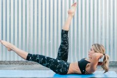 You don't need a luxurious massage to eliminate stress — although that could still help! Instead, try this fast-paced Pilates workout to feel better fast. Cardio Pilates, Pilates Workout Routine, Pilates At Home, Pilates Reformer Exercises, Pilates Training, Toning Workouts, Workout Splits, Baby Workout, Aerobics Workout