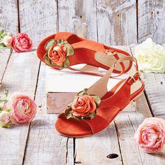 Es gibt neue Farben für die beliebte Sandale von Deerberg! #sandalen #deerberg #schuhe