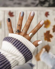 Fall nails are SO FUN 🍁👆❤️ I'm loving these ombré neutral nails and been getting lots of compliments from strangers 🤸‍♂️Who me? Gee thanks… Winter Nail Designs, Winter Nail Art, Winter Nails, Cute Nails, Pretty Nails, Cute Fall Nails, Hair And Nails, My Nails, Shellac Nails