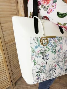 Najkrajšie kabelky.sk Michael Kors Jet Set, Tote Bag, Blog, Fashion, Moda, Fashion Styles, Totes, Blogging, Fashion Illustrations