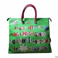 Shopper in pvc di colore verde con un collage di lettere a formare una simpatica frase in inglese.Collezione primavera/estate 2014.
