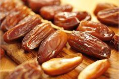 Τα καλύτερα φρούτα για τους πόνους στις αρθρώσεις — Με Υγεία Detox Kur, Pretzel Bites, Fruit, Fitness Diet, Deli, Home Remedies, Sausage, Bread, Healthy
