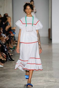 See the complete Stella Jean Spring 2018 Ready-to-Wear  collection.