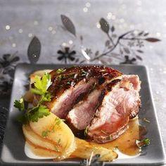 Découvrez la recette Magrets de canard laqués au miel, poêlée de poires sur cuisineactuelle.fr.