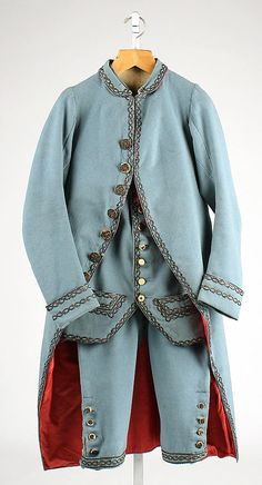 Suit 1780, British, Made of wool. I like the trimmings on this one, as well as the lining that 'pops' against the rest of the suit