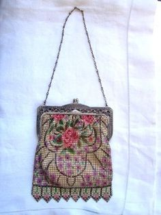 VINTAGE MESH BAG WHITING & DAVIS CO. FLORAL DESIGN SILVERTONE FILIGREE FRAME