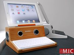 iPad Dock based on Apple's first computer
