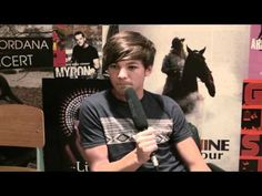 Louis Tomlinson talks boobs, his nipples & fans to Sugarscape.