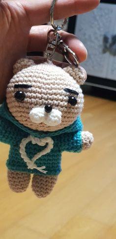 후드라이언 도안나눔 : 네이버 블로그 Knitted Shawls, Coin Purse, Diy Crafts, Purses, Dolls, Christmas Ornaments, Holiday Decor, Crochet, Knit Shawls