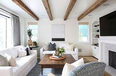 Beams beams beautiful beams ❤️ @kellynuttdesign #livingroom #livingroomdesign #livingroomdecor #home #nantucketstyle #newport #rustic #beach #beachhouse #rusticdecor #whitesofa #stripesfordays #beamsfordays #kellynuttdesign #traditionaldesign #classic #interiordesign #interiordesigner #interiordecor