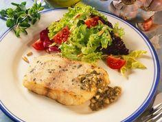 Victoriabarsch mit Knoblauch-Kapernsauce ist ein Rezept mit frischen Zutaten aus der Kategorie Meerwasserfisch. Probieren Sie dieses und weitere Rezepte von EAT SMARTER!