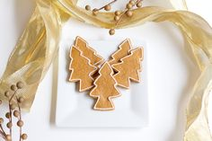 {12} Decadent Days of Christmas {7} Moravian Ginger Cookies