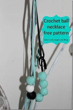 Crochet Ball Necklace. Free pattern {tutorial}