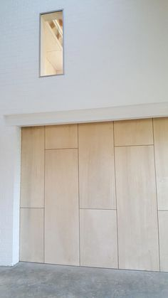 Birch plywood sliding wall pocket door www. Plywood Wall Paneling, Plywood Ceiling, Interior Pocket Doors, Detail Architecture, Plywood Storage, Wall Design, House Design, Plywood Design, Plywood Interior