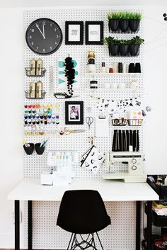 5 Office Organization Hacks to Try This Weekend via @domainehome