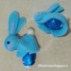 Il filo di mais di Chiara Gloria e Daniela: Pasqua: coniglietti segnaposto con sorpresa