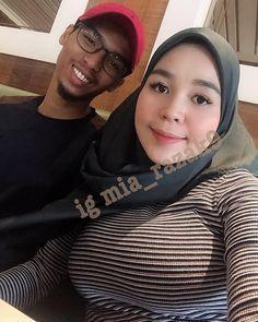 Image may contain: 2 people, selfie and closeup – Hijab Fashion Beautiful Muslim Women, Beautiful Hijab, Hijabi Girl, Girl Hijab, Modern Hijab Fashion, Muslim Fashion, Kat Dennings Bikini, Hijabs, Hijab Jeans