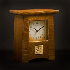 Craftsman Style Oak Mantel Clock With Inset Ceramic Tile Craftsman Clocks, Craftsman Style Decor, Craftsman Furniture, Oak Mantel, Mantle Clock, Small Clock, Mission Furniture, Art Nouveau Furniture, Modern Clock