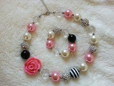 Necklace and Bracelet SET! Pink Chunky Necklace, Girls Chunky Necklace, Bubble Gum Chunky Girls Necklace, Children Necklace.