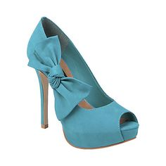 Prommise in Turquiose Nubuck - Steve Madden. I don't have turquoise shoes in my collection yet!