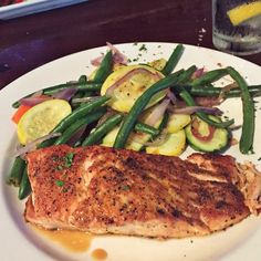 """""""Nothing beats fresh caught salmon  Keeping dinner low carb because .. """" Photo taken by @tissssshh on Instagram, pinned via the InstaPin iOS App! http://www.instapinapp.com (05/28/2015)"""