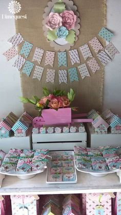 Dimequesi 's Birthday / Sarah Kay - Photo Gallery at Catch My Party Baby Shower Centerpieces, Baby Shower Decorations, Baby Shower Garland, Shabby Chic Theme, Baby Shower Cupcake Toppers, Festa Party, Sarah Kay, Vintage Party, Candy Party