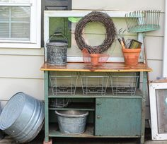 re-purposed workbench turned potting table http://frozenmtdew.blogspot.com/