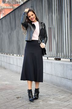 Lady Addict Street Style In Zara skirt And Mango Jacket