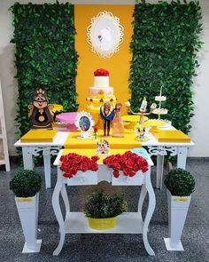 decoracion de mesa principal de la bella y la bestia Girls 3rd Birthday, Tangled Birthday Party, Luau Birthday, Birthday Table, Birthday Parties, Beauty And Beast Birthday, Beauty And The Beast Party, Disney Beauty And The Beast, Fiesta Decorations