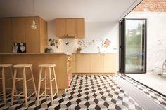 OLV 24 | KOMAAN!architecten voor no-nonsense verzinsels en allerhande projecten. Osb Board, Animal Print Rug, Tile Floor, Sweet Home, New Homes, Desk, House, Furniture, Home Decor