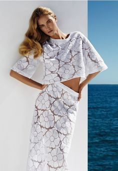 Campaign Spring-Summer 2014, Paisley blouse, Paluna skirt, www.annefontaine.com #annefontaine #whiteshirt #fashion