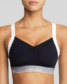 c012c859c Calvin Klein Underwear Sports Bra - Medium Impact Colorblock Convertible   QF1085
