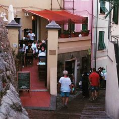 Would you go into the restaurant on the left or carry on down thr hill? Mamma Mia, Travel Inspiration, Italy, Restaurant, Dreams, Happy, Italia, Diner Restaurant, Restaurants