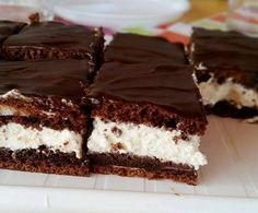 Cardamommy and Coriaunty: Nanaimo Bars Diabetic Recipes, Low Carb Recipes, Diet Recipes, Healthy Recipes, Hungarian Desserts, Hungarian Recipes, Health Eating, Izu, Cake