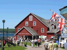 King's Wharf Theatre runs quality summer theatre througout the summer months in Penetang at Discovery Harbour on Georgian Bay