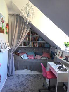 Attic Bedroom Small, Attic Bedroom Designs, Room Design Bedroom, Attic Rooms, Bedroom Layouts, Room Ideas Bedroom, Home Room Design, Home Decor Bedroom, Loft Room