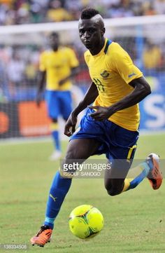 Gabon's national football team striker Eric Mouloungui drives the ball at the stade de l'Amitie in Libreville on February 5 2012 during the 2012...
