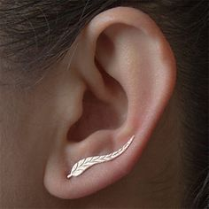 This leaf design is a brilliant idea for stud earrings! Like it? Click to get it for $1.99 <3