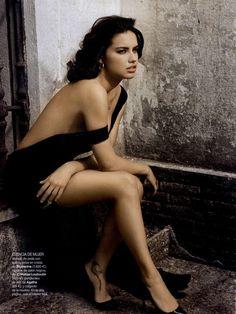 Adriana Lima for Vogue España Editorial Versión Adulta, June 2010 Shot #2