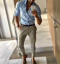 Proper men's style for selfie
