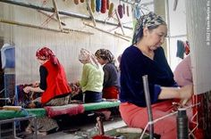 Visiting a Carpet Factory in Hotan, China — BucketTripper  Doğu Türkista/Hoten/Xoten Bölgesi Eastern Turkistan/Hotan/khoten Region دوغو تورکیستان خوتن بولگه سی