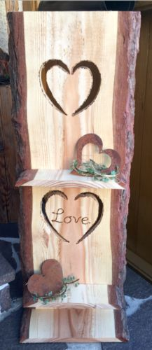 """Holzschild """"Love"""" mit Brett"""