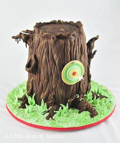 Robin Hood birthday party (this cake is just one tiny facet of the awesomeness)