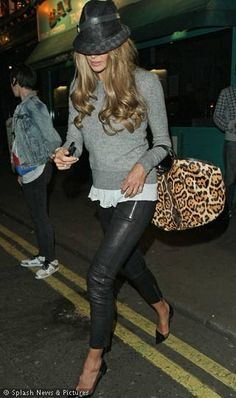 Fashion Styles of - Elle Macpherson -  The Simply Luxurious Life®